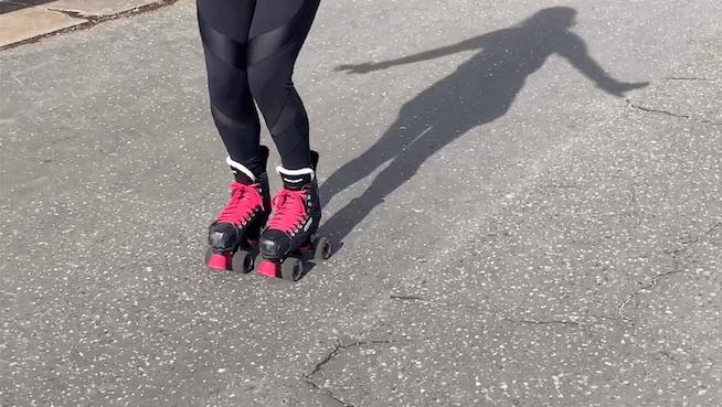 Ready position quad skating for beginners - Skatefresh virtual skate school